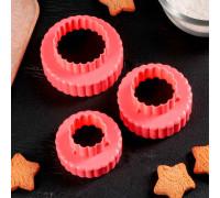 """Набор форм для вырезания печенья 8,5х4,5 см """"Ромашка"""", 3 шт, цвета МИКС"""