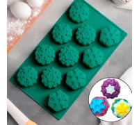 Форма для выпечки «Снежинка», 30×17,5 см, 11 ячеек, цвет МИКС