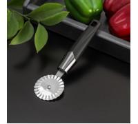 Нож для пиццы и теста «Хром», 20×6 см, ребристый, цвет чёрный