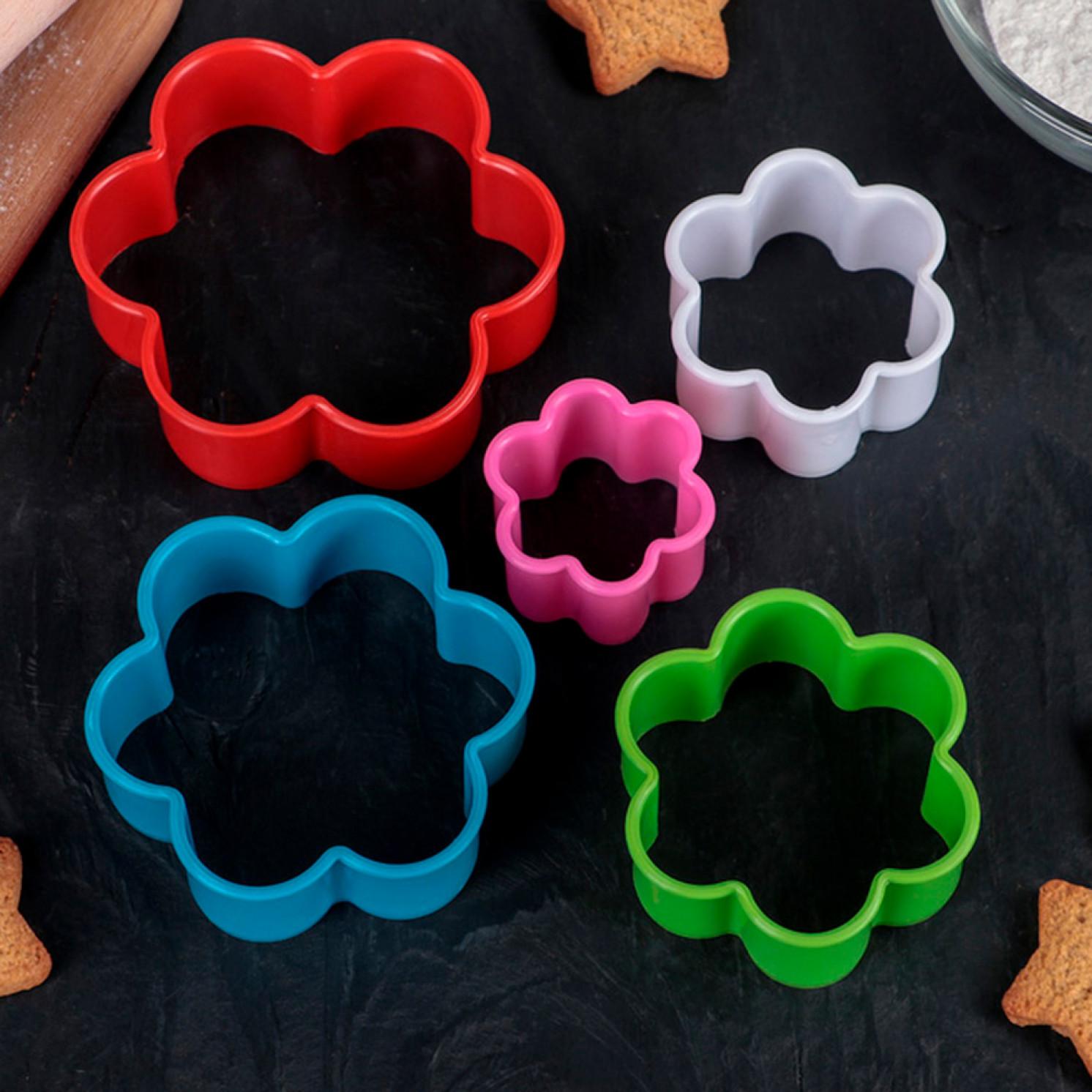 Набор форм для вырезания печенья, 5 шт: 9 см, 8 см, 6,7 см, 5,5 см, 4 см, цвета МИКС
