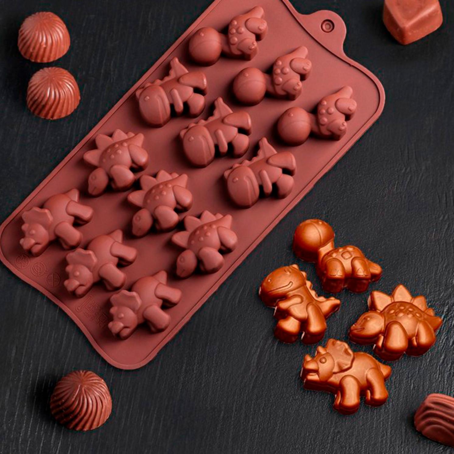 Форма для льда и шоколада «Дино», 12 ячеек (4×2,5×2 см), 21×11 см, цвет шоколадный