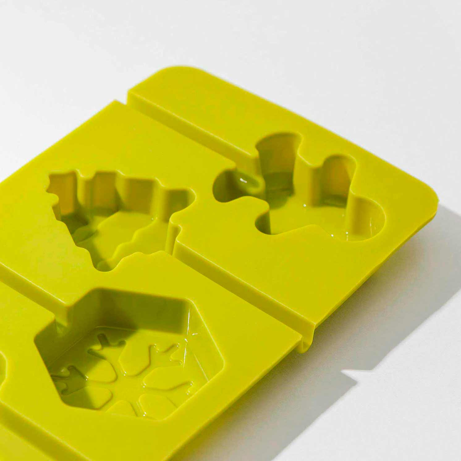 Форма для леденцов «Новогодний подарок», 24×9,5 см, 6 ячеек, цвет МИКС