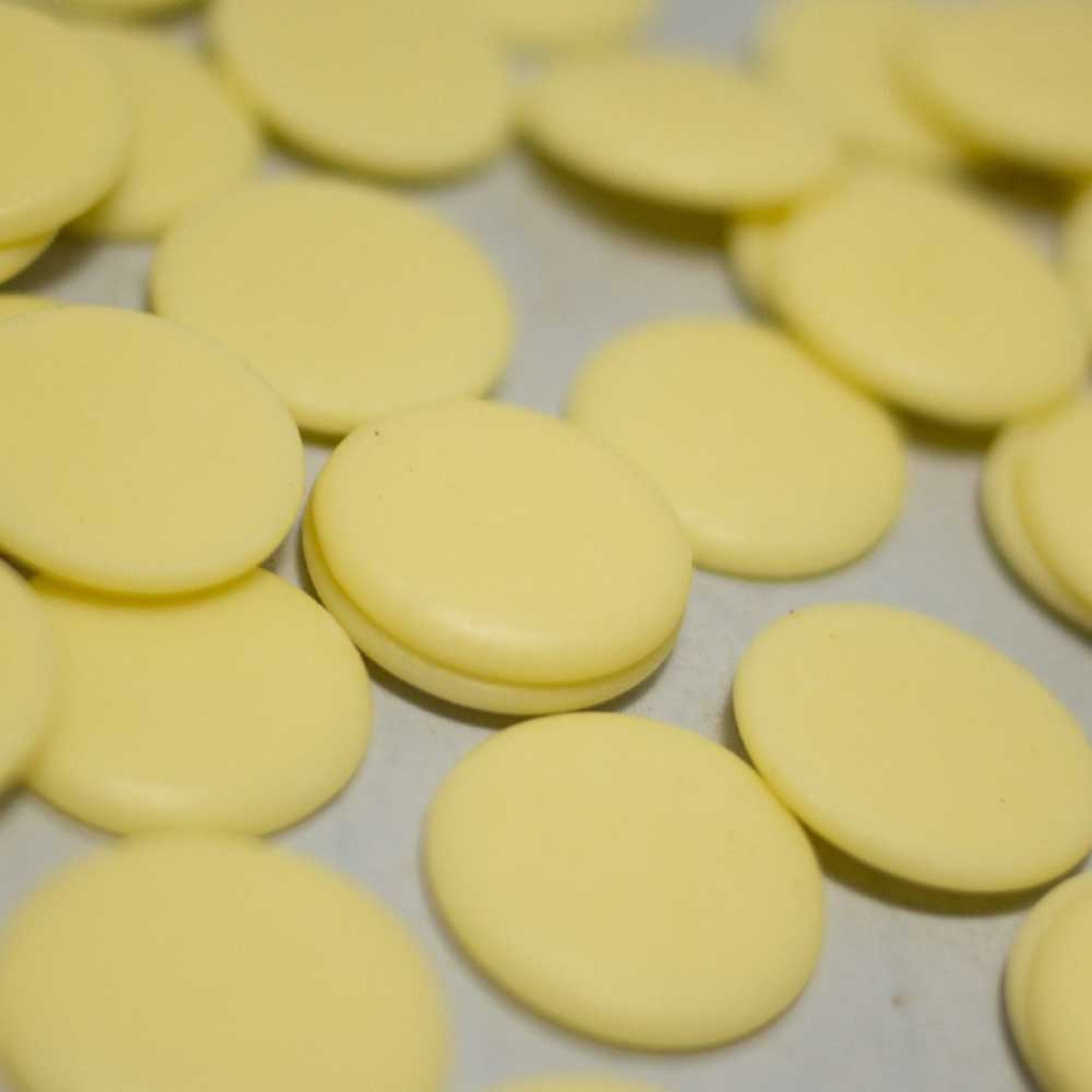 Шоколад белый в дисках 30 %, DGF 500 г